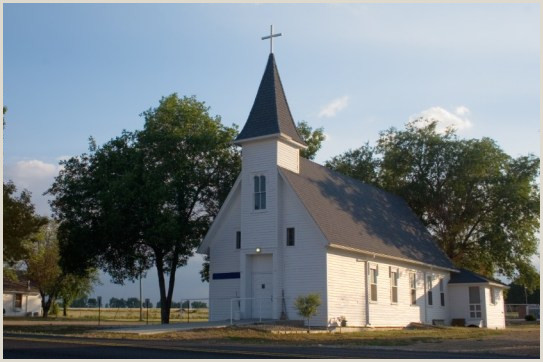 8 Reasons Most Churches Never Break the 200 Attendance Mark