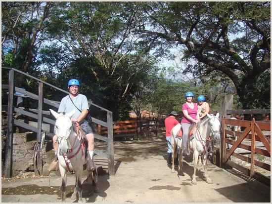 Hacienda Guachipelin fotografa de Costa Rica Trip Guide