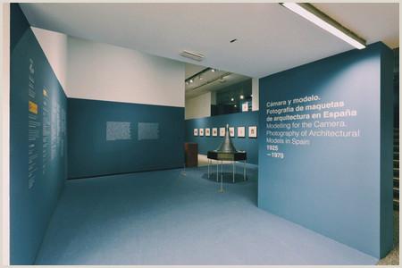 Cámara y modelo exposici³n del Museo ICO de fotografa de
