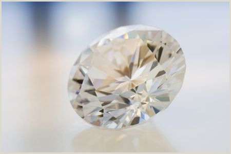 How to Evaluate Diamond Carat Weight