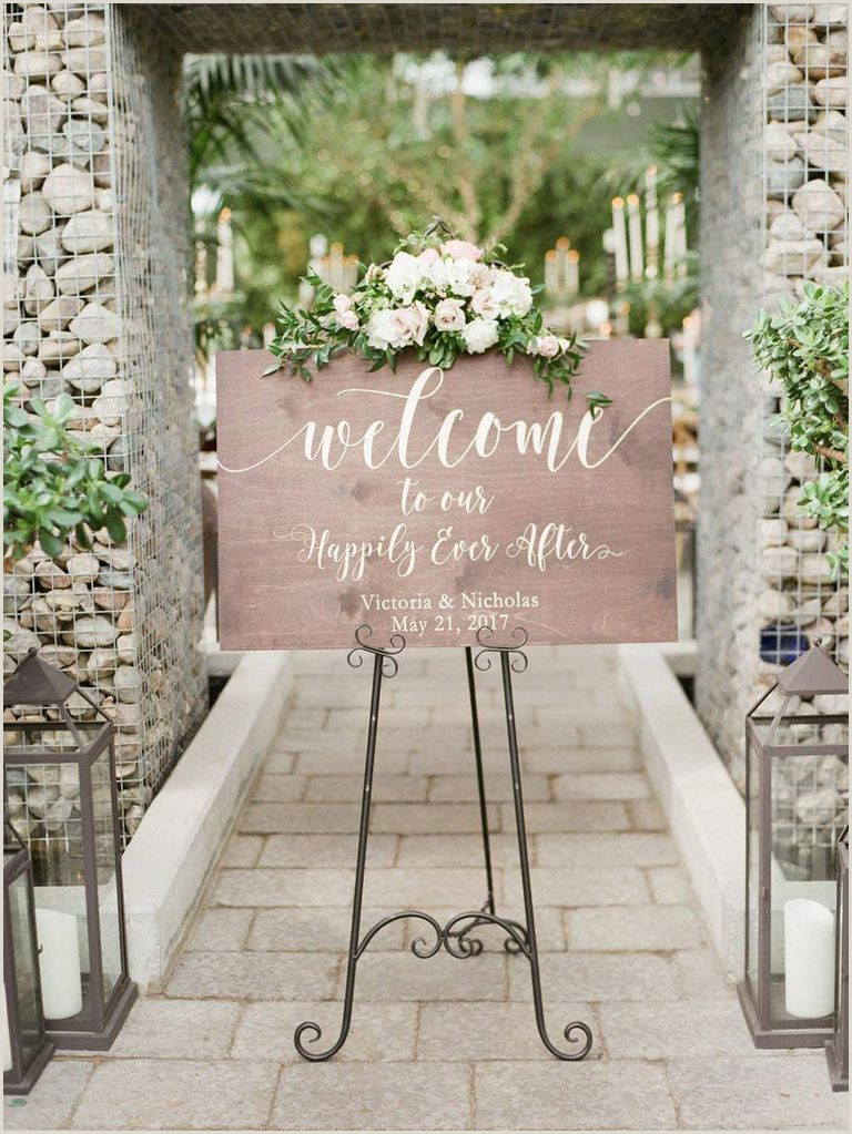 26 Wedding Wel e Signs Perfect for Greeting Guests