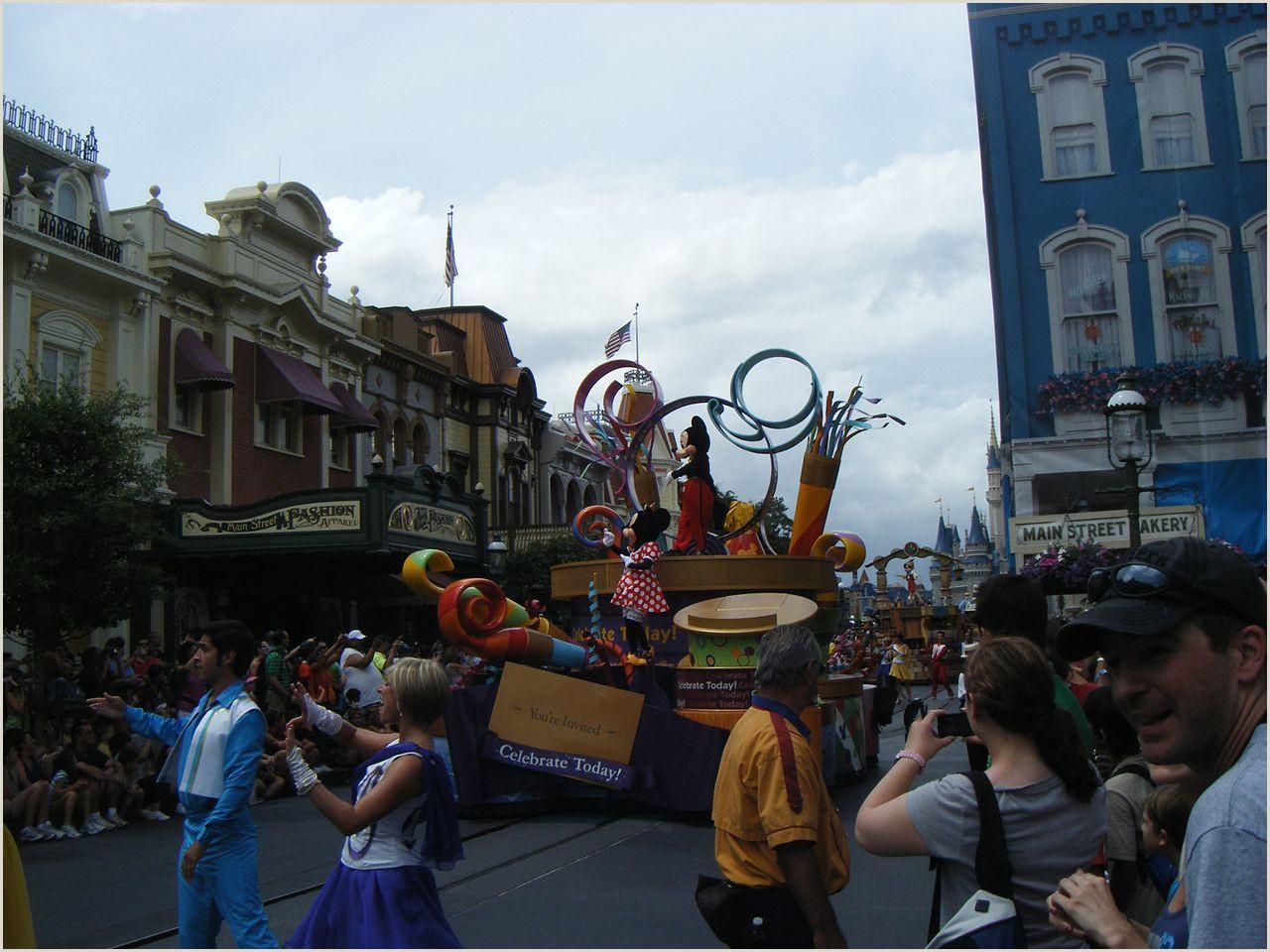 Walt Disney World Mission Statement File Mickey and Minnie In the Celebrate A Dream E True