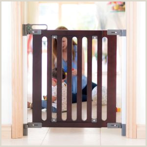 6ft Retractable Baby Gate Safety & Stair Gates Retractable Narrow & Extendable