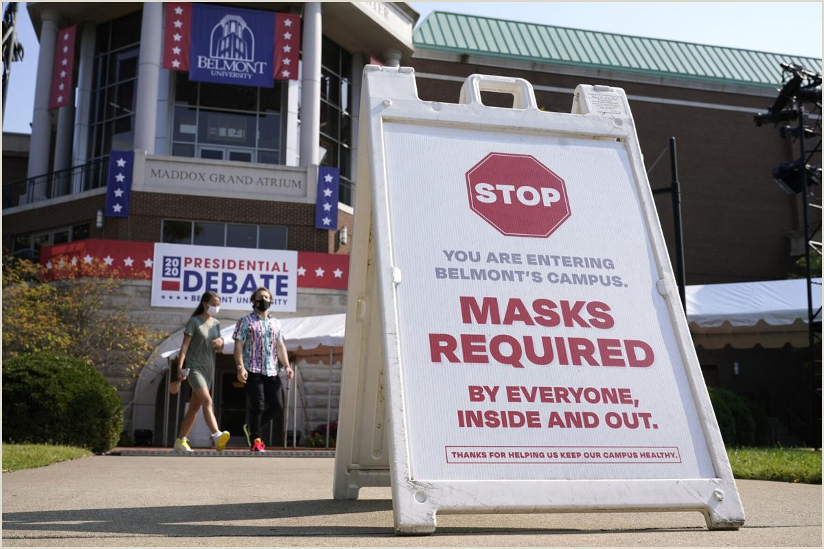 Large Pull Up Banners In Tennessee Final Debate Puts Surging Virus In Spotlight