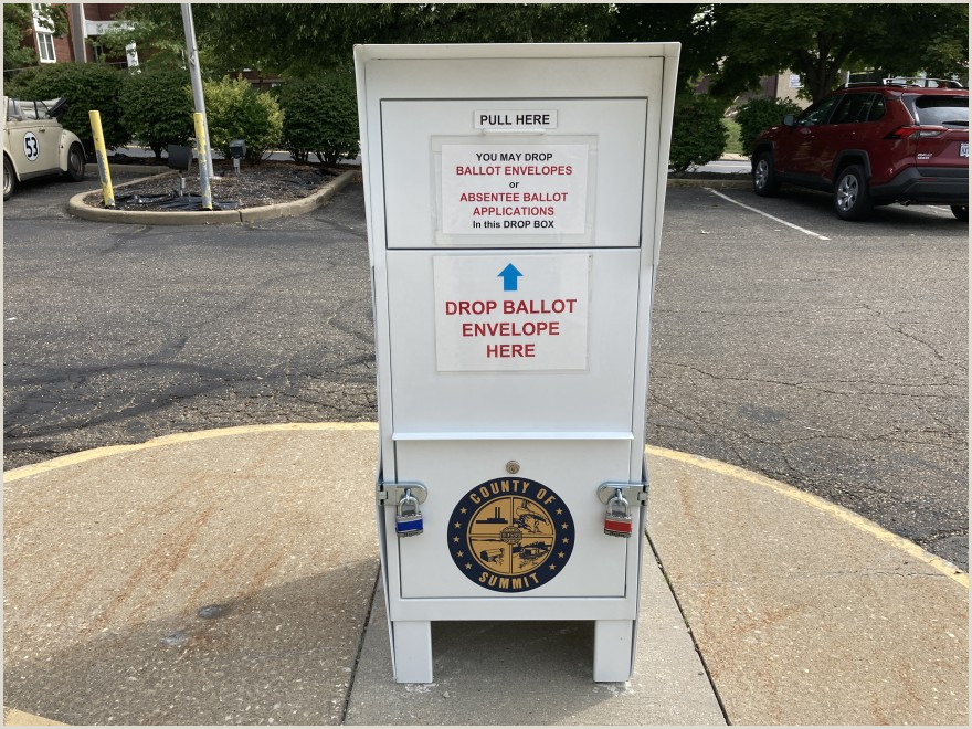 Pull Up Boards Summit County Board Of Elections Clarifies Curbside Voting