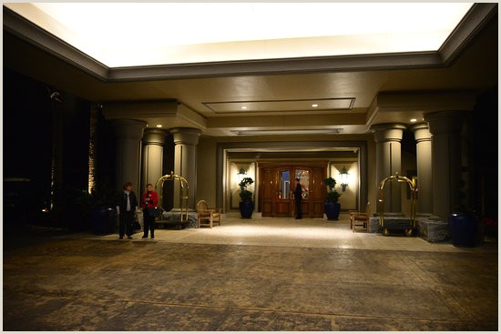 Pull Up Design Front Entrance At Ritz Pull Up Valet Will Take Your Car And
