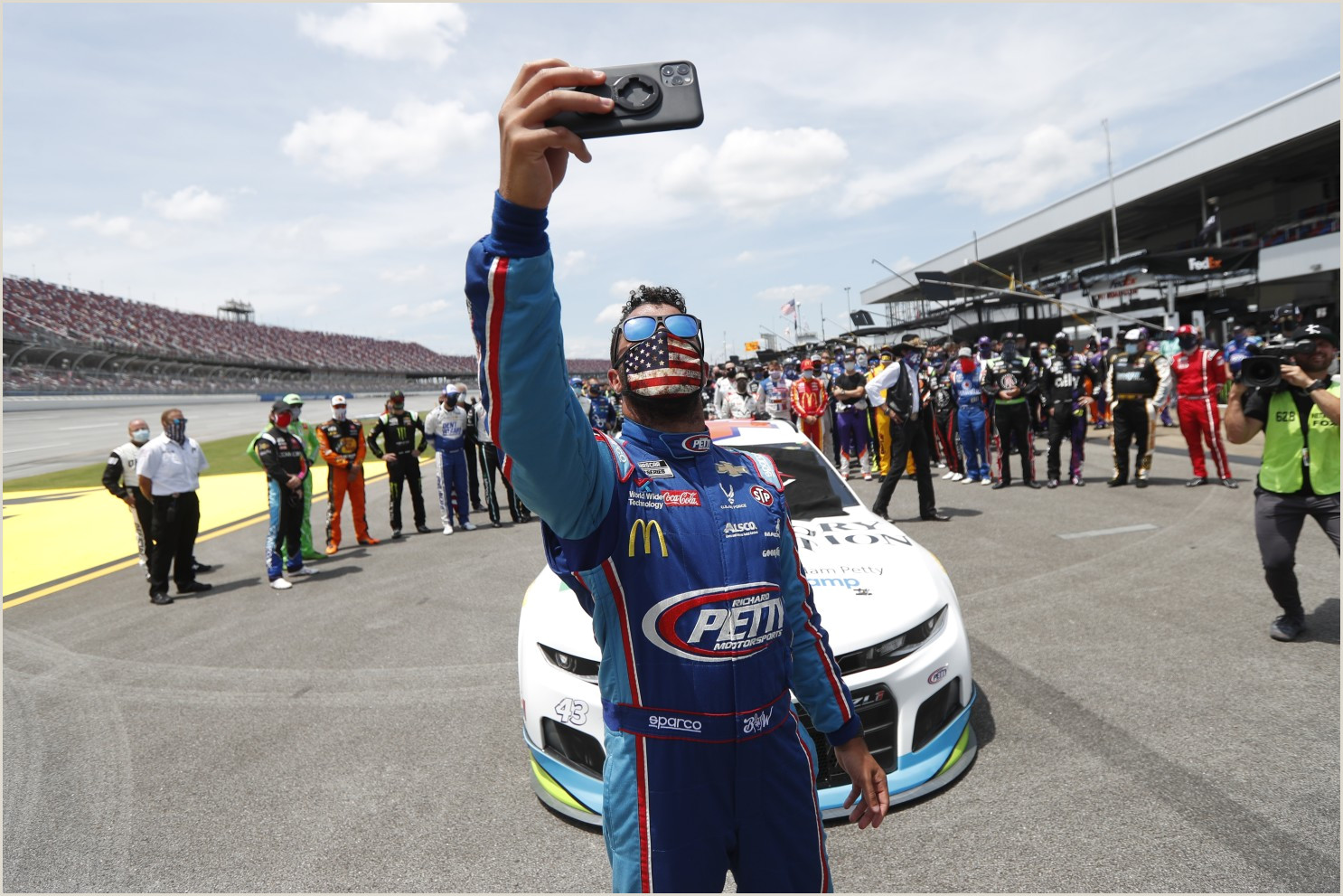 Stand Up Poster Display Nascar Drivers Display Their Support For Bubba Wallace Los